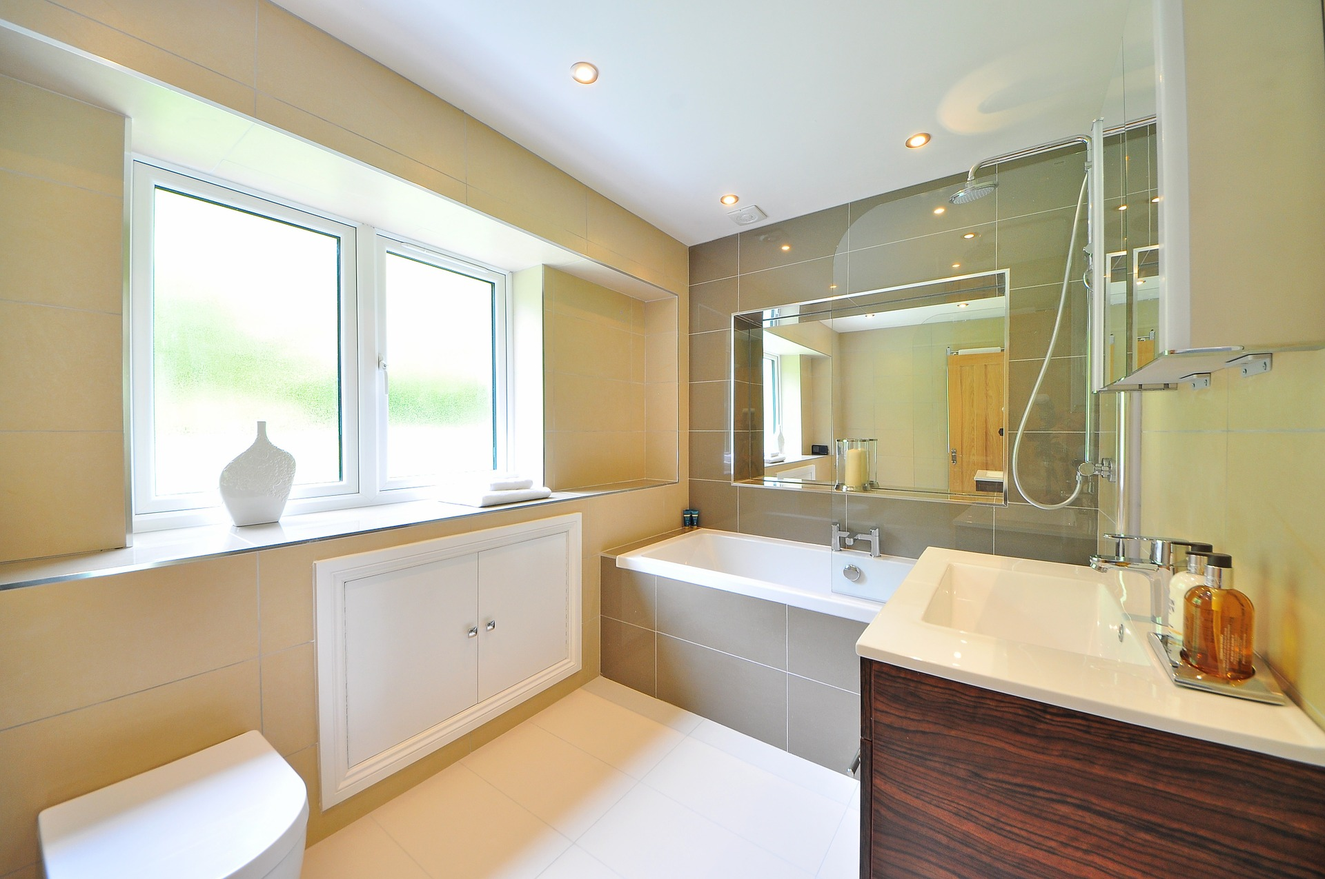 salle-de-bain-bien-aménagée